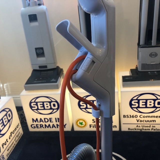 How to route the wire on a Sebo Evolution.